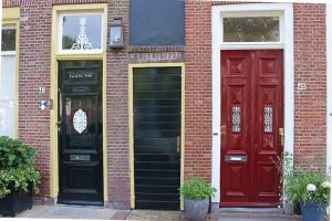 Alkmaar, bunte Haustüren