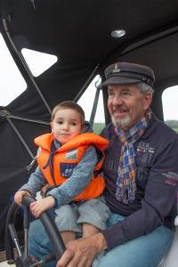 Grandpa und kleiner Kapitän