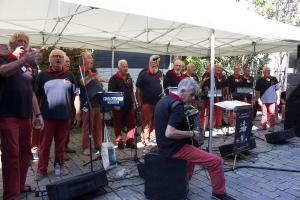 Compagniezangers (NL) eine Gruppe die sehr aktiv ist und für Betrieb sorgt
