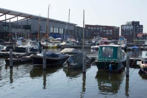 Hafen mit Megainfrastruktur