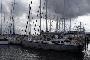 Segelschiffe Seite an Seite