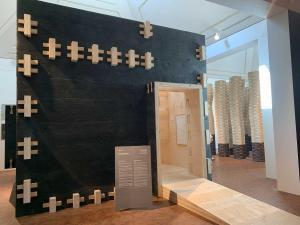 Wände ohne Nagel zusammengesetzt