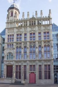 Rathaus rekonstruiert