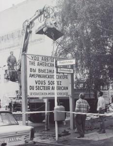 altes Foto vom Schild