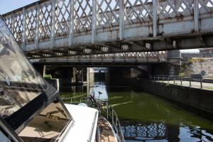 rostige Eisenbahnbrücken