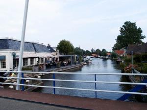 Kanaal durchs Dorf