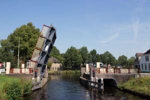 erste Brücke zum Drentse Hoofdvaart