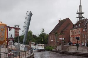 Einfahrt in Emden