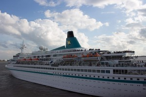 Abfahrt Kreuzfahrtschiff Albatros