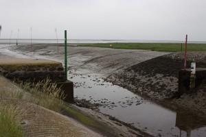 Einfahrt bei Niedrigwasser