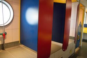 Duschen für Kids in Stehhöhe für Eltern
